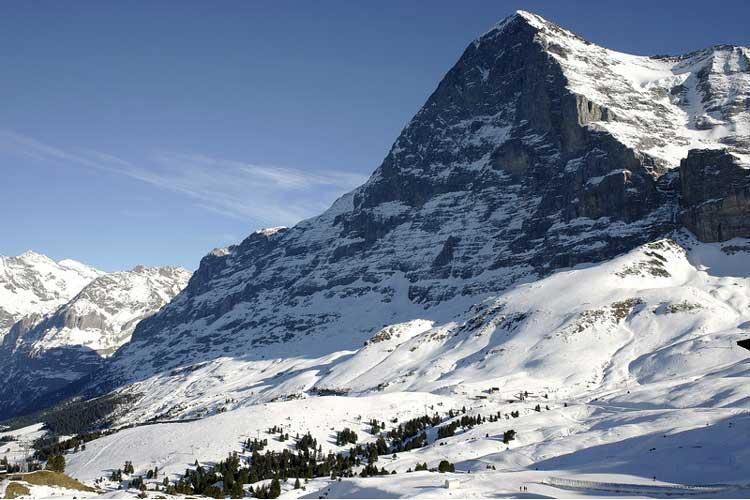 Эйгер (Айгер) 3.970 метров.
