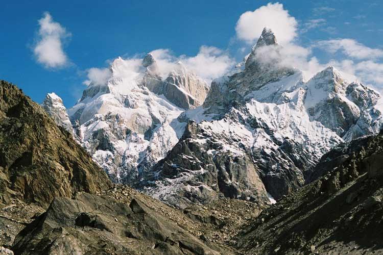 Байта Бракк (Огр (Людоед, англ.) высота 7.285 метров).