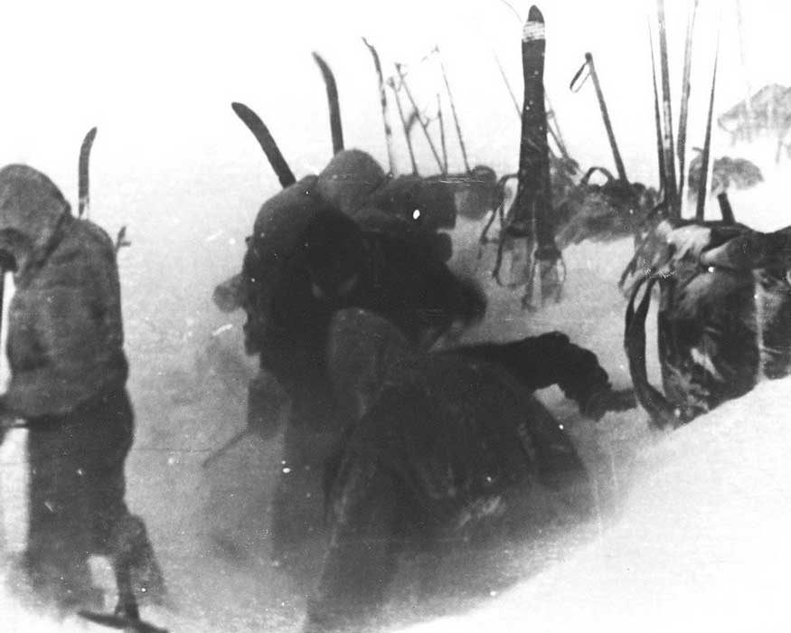 Последний кадр Дятлова 01.02.1959 Установка палатки