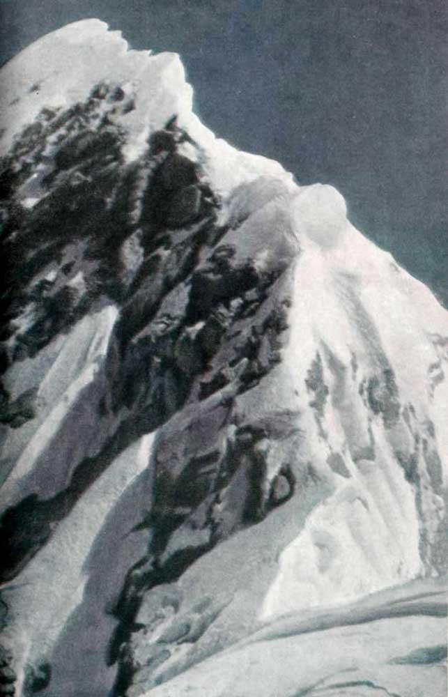 Вершинный гребень Эвереста (снято с Южного пика)