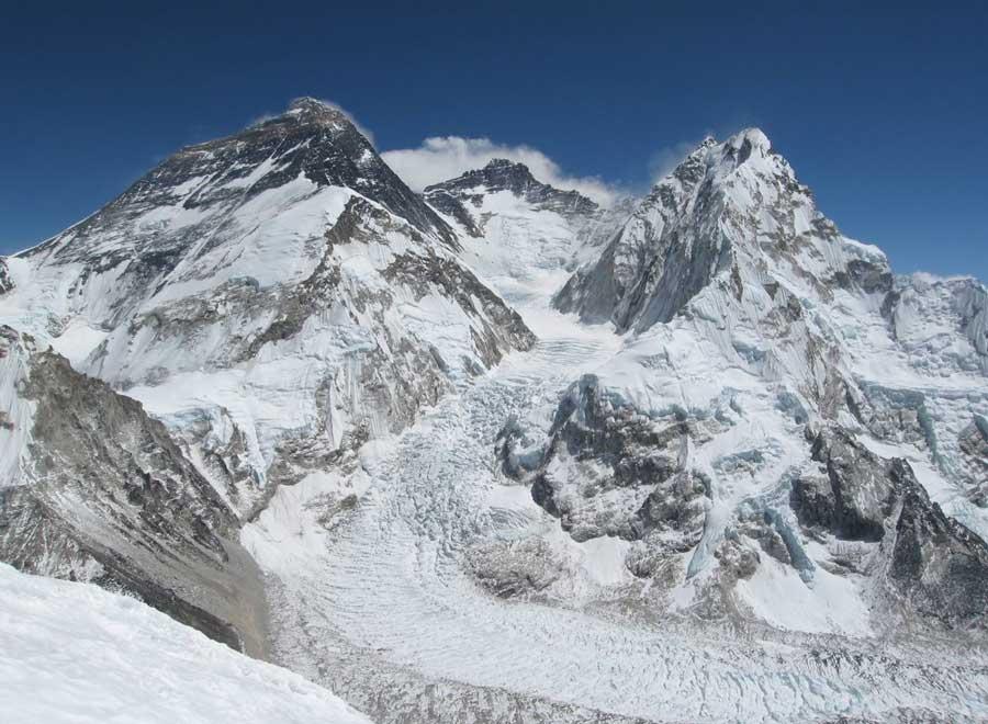 ледник Кхумбу с ледопадом