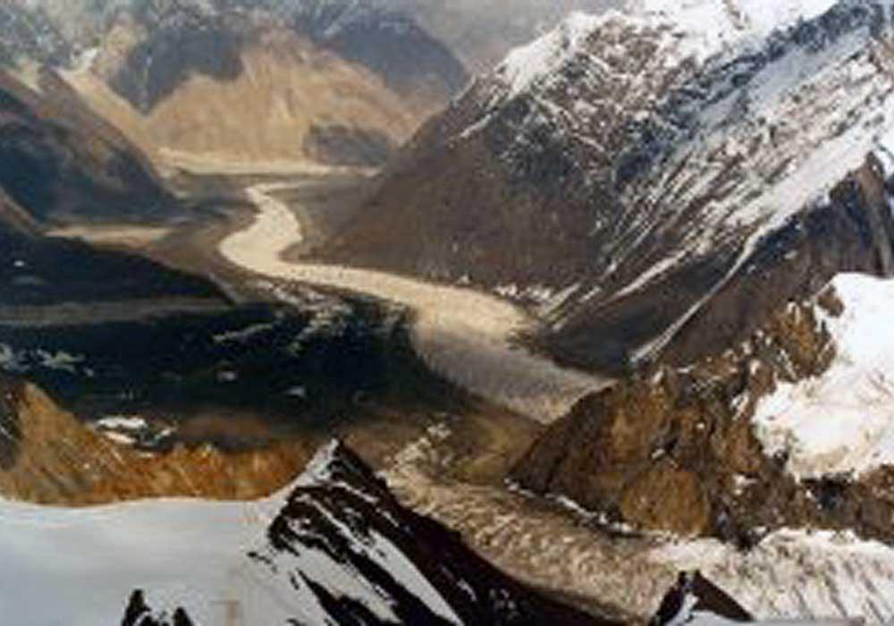 Путешествие в величественные горы тянь шань в китае